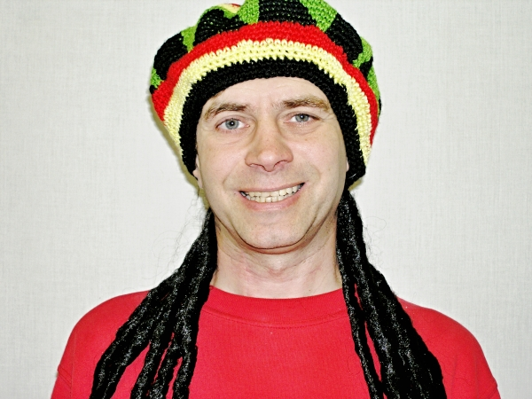 Reggea čepice s vlasy 4F 13885